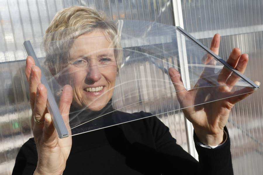"Silke Hemming: ""The ultra-thin glass is so flexible that it looks like plastic film. The construction industry is also taking an interest."""
